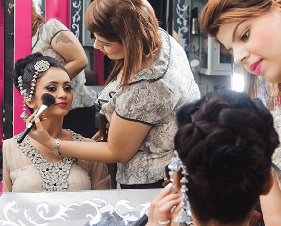 Meribindiya Make-up Course: Classes details, Admission, Eligibility, Syllabus, Jobs & Salary